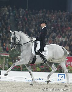 andreas helgstrand | Andreas Helgstrand on Blue Hors Matine at the 2006 World Equestrian ...