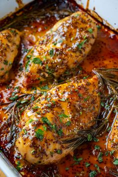 Super easy honey dijon chicken simply baked in a pan with the tasty sauce! Super easy honey dijon chicken simply baked in a pan with the tasty sauce! Honey Dijon Chicken, Garlic Chicken, Cooking Recipes, Healthy Recipes, Four, Main Dishes, Chicken Recipes, Easy Meals, Favorite Recipes