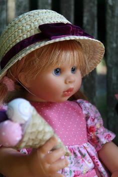 Ida  http://dollfamily.canalblog.com/archives/2014/08/12/30401310.html