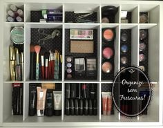 Organize sem Frescuras   Rafaela Oliveira » Arquivos » Vídeo: Transformação e organização da minha gaveta de maquigem, óculos e acessórios