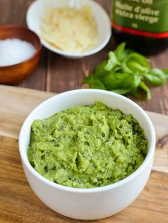 Save your syns with this delicious pea pesto - at just 1 Healthy Extra A choice and 1 syn per serving, it is perfect for smothering over pasta. One thing I love is basil pesto Slimming World Vegetarian Recipes, Slimming Recipes, Healthy Recipes, Vegetarian Snacks, Healthy Appetizers, Rice Recipes, Veggie Recipes, Healthy Foods, Soup Recipes