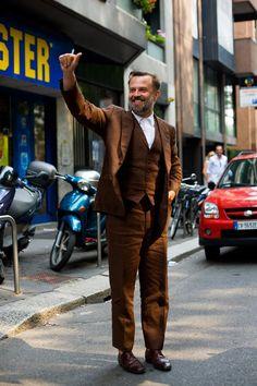 On the Street….Another Linen 3-pc Suit, Milan « The Sartorialist Italian men are so stylish.