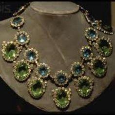 Wallis Simpson, Duchess of Windsor Wallis Simpson, Modern Jewelry, Luxury Jewelry, Fine Jewelry, Royal Crowns, Tiaras And Crowns, Royal Tiaras, Antique Jewelry, Vintage Jewelry