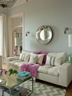 Love the mirror, the chevron run, the pink accent .... I could go on. Ana Antunes Home Styling.