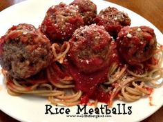 Here's a tried and true Rice Meatballs Recipe! Recipes Using Hamburger, Budget Meals, Budget Recipes, Meatballs And Rice, Italian Recipes, Italian Cooking, Good Food, Yummy Food, Meal Ideas
