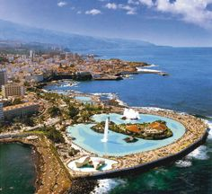 The largest of the Canary islands – Tenerife, Gran Canaria, Fuerteventura and Lanzarote Oh The Places You'll Go, Places To Travel, Places To Visit, Dream Vacations, Vacation Spots, Beautiful Islands, Beautiful Places, Station Balnéaire, Parc National