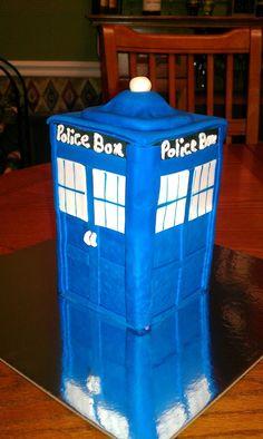 dr who police box tardis cake