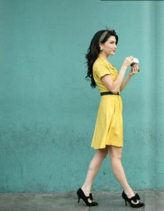 Cute Yellow Fashion Inspiration & Looks - Adorable yellow little dress with black belt and black heels pumps