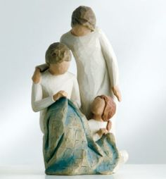 Willow Tree Generations Figurine 26197 Grandma Mum Daughter in Branded Gift Box Willow Tree Figures, Willow Tree Angels, Willow Figurines, Celtic Tree, Dark Skin Tone, Couples In Love, Tree Branches, Trees, Artist