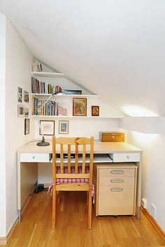 Compact Home Offices In Small Apartments -- office under new house stairs? Office Design Home office design. Small Home Offices, Small Space Office, Home Office Space, Home Office Furniture, Home Office Decor, Small Apartments, Small Spaces, Office Ideas, Office Spaces