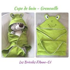 [Tuto] – Cape / Sortie de bain – Grenouille | Les Bricoles d'Anne-Cé Baby Sewing Projects, Sewing For Kids, Diy For Kids, Baby Couture, Couture Sewing, Diy Baby Gifts, Creation Couture, Baby Bibs, Dinosaur Stuffed Animal