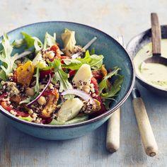 Salade quinoa, boulghour, pois chiches, sauce Crunchy tahini au persil et citron