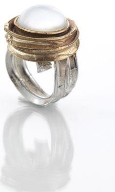 Anello argento e bronzo con pietra doppietta quarzo e madreperla