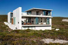 Pearl Bay Home By Gavin Maddock Design Studio - http://www.dedecoracion.com/pearl-bay-home-by-gavin-maddock-design-studio/  Design, Gavin, Home, Maddock, Pearl, Studio