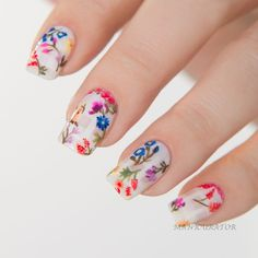 Floral nail art inspired by Emmy Rossum's Oscar de la Renta gown