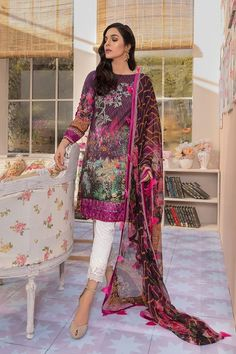 Gulaal Lawn Collection 2019 Pakistani Salwar Kameez In case you are anything at Pakistani Casual Wear, Pakistani Lawn Suits, Pakistani Salwar Kameez, Pakistani Dress Design, Shalwar Kameez, Pakistani Outfits, Indian Outfits, Anarkali, Punjabi Suits