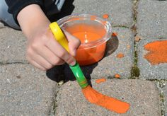 How to Make Sidewalk Chalk Paint » Making Sidewalk Chalk is a fun warm-weather activity. And kids love both making it and playing with it!