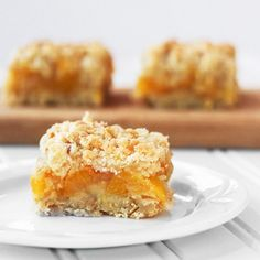 Peach Cobbler Bars - a delicious, portable version of peach cobbler.  You just have to try these!