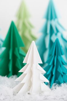 We're smitten with these origami Christmas trees!! A festive and creative Christmas craft that you can use to decorate withfor the holidays. They look super charmingon a shelf, you can make a garland from them or tie them to a present. And, all you need is a piece of paper and some scissors. Super easy....readmore