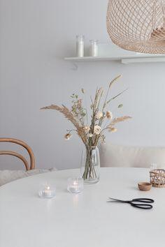 Dried Flower Bouquet, Dried Flowers, Interior Inspiration, Room Inspiration, Home Interior, Interior Decorating, Flowers In Jars, Dried Flower Arrangements, Flower Phone Wallpaper