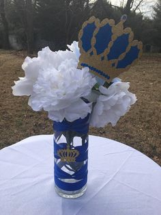 Sparkle....Sparkle! Add that special touch to your event with this Royal Prince Crown Picks. Perfect for any royal celebration. They are made of high quality glitter cardstock and really sparkle. They are attached to dowels. They are glitter on the front in your color choice (see