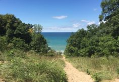 Looking for an incredible outdoor experience this fall? These 9 stunning hiking trails in Indiana won't let you down! Zion Camping, Grand Canyon Camping, Camping World, Camping Gear, Zion Illinois, Hiking Spots, Hiking Trails, Indiana Dunes, Florida Camping
