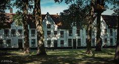 Brugge - Bruges Begijnhof - Beguinage #uitstap #steden #citytrip #relax #genieten #brugge #bruges #beguinage #begijnhof #binnenstad #genietenvankleinedingen #weekendtrip #belgië #belgium #visitbrugge #canon #canonphoto #canonphotography #photoaday #picaday #photooftheday #picoftheday #follow #followme #follow4follow #like4like #like #be_at_design