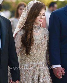 Latest Bridal Dresses, Bridal Mehndi Dresses, Asian Bridal Dresses, Desi Wedding Dresses, Bridal Dress Design, Bridal Outfits, Pakistani Bridal Hairstyles, Asian Wedding Dress Pakistani, Pakistani Bridal Makeup