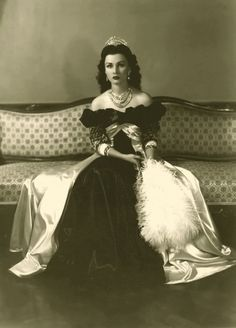 Official Imperial photo of Her Sultanic Highness Princess Fawzia bint Fuad of Egypt during her reign as Queen of Iran from 1939 to 1948, She is so beautiful...I have never heard of her, but she sure was gorgeous.....