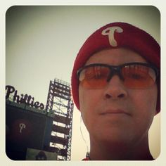 T-30 min. 'til start of Phillies 5K. It's only @ 34 degrees, so I might be a popsicle before we start! Photo by thomasjfarrensr