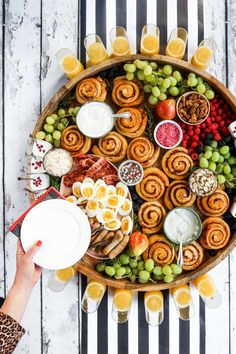 Dec 2019 - Epic Christmas Cinnamon Roll Board —Here's a fun way to celebrate breakfast or brunch with your family and friends! Serve an Epic Christmas Cinnamon Roll Board. This post is sponsored by Canary & King! Christmas Brunch, Christmas Breakfast, Brunch Recipes, Breakfast Recipes, Brunch Appetizers, Brunch Foods, Party Food Platters, Charcuterie And Cheese Board, Charcuterie Ideas