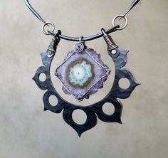 Hey, I found this really awesome Etsy listing at https://www.etsy.com/listing/180254085/black-lotus-with-stalactite-flower