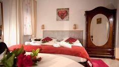 81241 München, #muenchen Doppelzimmer mit Dusche und Etagen-WC - Double rooms w/ shower, shared toilets - #urlaub