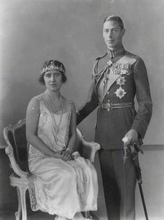 King George VI and Queen Elizabeth The Queen Mother (when Duke & Duchess of York) Lady Elizabeth, Princess Elizabeth, Princess Margaret, Princess Kate, Queen Mother, Queen Mary, King Queen, Reine Victoria, Queen Victoria