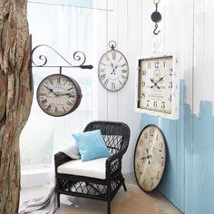 Die Zeit immer im Blick mit dieser tollen und außergewöhnlichen Wanduhr. Die größe dieser Uhr lässt euch sicher nie mehr die Zeit aus den Augen verlieren. ;-)