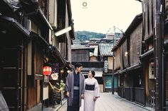 I look at you and i'm home. I see nothing worse than to be without you because with you, my soul feels complete, you are the other half of me and i love you. You are my home no matter where that is  Courtesy from Kezia and Yusin Prewedding Location Hanamikoji, Gion Kyoto JAPAN . . Photograph by @alvinfauzie . . Check our website for the other photos at www.alvinphotography.co.id  #japanprewedding #japanweddingphotographer #kyoto #kyotoprewedding #preweddingkyoto #fearlessphoto #luxelist