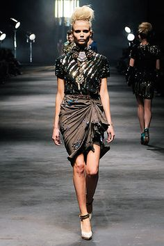 Lanvin Spring 2010 Ready-to-Wear Collection Slideshow on Style.com