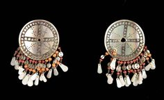 Philippines ~ Ifugao ~ Cagayan (valley) | Pair of earrings from the Illogot people | Shell, glass beads and metal.