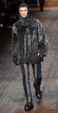 Dolce and Gabbana Dolce & Gabbana, Medieval, Mens Fashion Suits, Winter Fashion, Mens Winter, Costumes, History, Beautiful, Boys