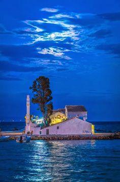 Φωτογραφία: Corfu, Greece Η εκκλησία της Παναγίας της Βλαχέρνας στο Κανόνι…