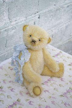 Teddy bear artist classic style collectible bear vintage