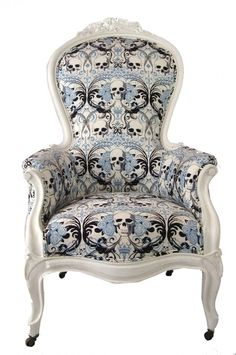 I'm not the biggest fan of skulls in my personal decor & whatnot, but this is pretty awesome!
