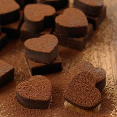 yes, chocolate of course! Chocolate Bonbon, Death By Chocolate, Chocolate Hearts, I Love Chocolate, Chocolate Shop, Chocolate Coffee, How To Make Chocolate, Chocolate Lovers, Chocolate Recipes