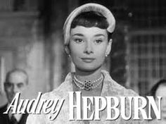 File:Audrey Hepburn in Roman Holiday trailer. Robes Audrey Hepburn, Vestido Audrey Hepburn, Audrey Hepburn Pixie, Sabrina Audrey Hepburn, Audrey Hepburn Drawing, Audrey Hepburn Wallpaper, Audrey Hepburn Makeup, Audrey Hepburn Roman Holiday, Audrey Hepburn Movies