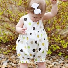 Baby Girls Romper 2017 Summer Fashion Kids Sleeveless Polka Dot Printed Jumpsuit Girls Casual Romper Clothes Outfits forTurn an old dress into a baby romper for baby. Fashion Kids, Baby Girl Fashion, Baby Girl Dress Patterns, Little Girl Dresses, Baby Frocks Designs, Kids Frocks, Baby Girl Romper, Baby Girls, Girls Rompers