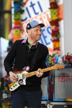 Jonny <3 Great Bands, Cool Bands, Jonny Buckland, Coldplay, Guitar, Hero, Artists, Boys, Design