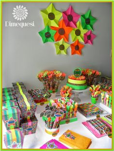 Glow Daisy Party, Neon Party, Sweet 16, Ideas Para, Party Time, Planter Pots, Birthdays, Tropical, Party Ideas