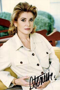 Catherine Deneuve, Timeless Beauty, Classic Beauty, French Actress, Brigitte Bardot, Classic Films, Nice Dresses, Beautiful People, Hollywood