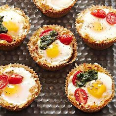 These cute Birdie in a Basket breakfast cups are perfect for a brunch get-together! See more of our best brunch recipes: http://www.bhg.com/recipes/breakfast/brunch/brunch-recipe-ideas/#page=7