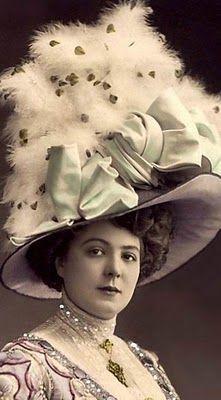 Resultado de imagen de feathers hats 1900